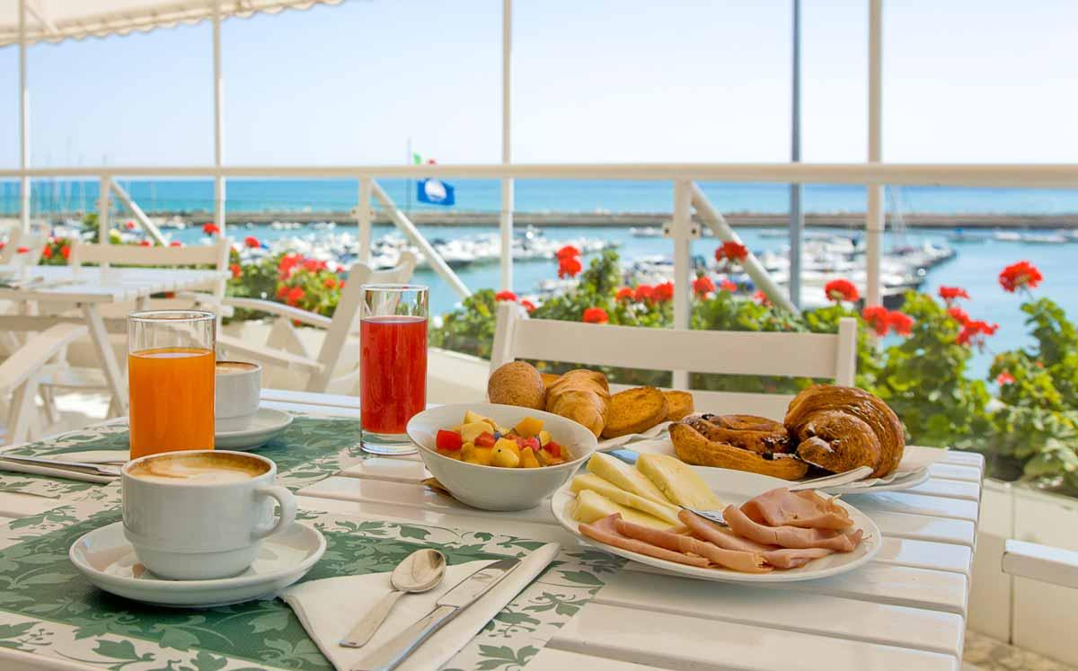 Petit déjeuner ! - Page 6 Colazioni-hotel-numana-08