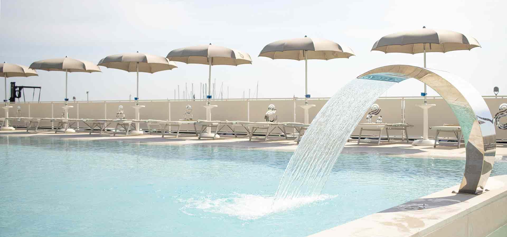 hotel-a-numana-con-piscina-001