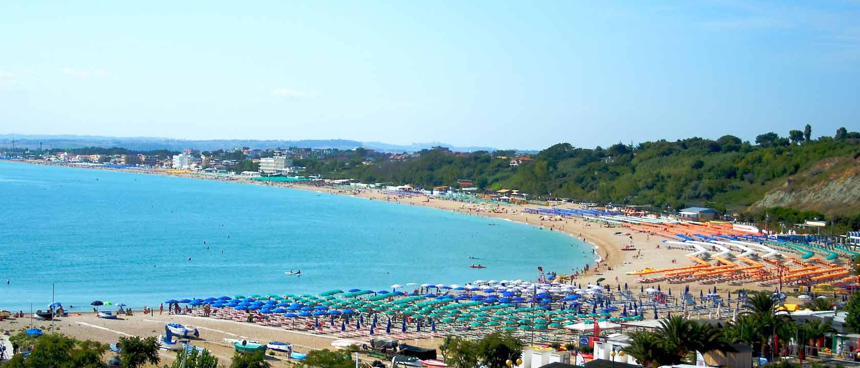 Hotel a numana 3 stelle con spiaggia privata piscina e for Hotel siracusa 3 stelle